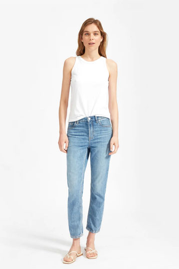 Fitted mid-rise jean in lightweight rigid cotton